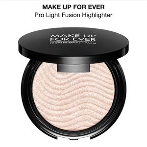 Make Up For Ever Pro Fusion Highlighter